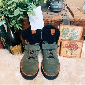 Coach Urban Hikers green suede Style G1354